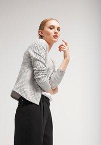 Vila - VINAJA NEW SHORT JACKET - Summer jacket - light grey melange - 3