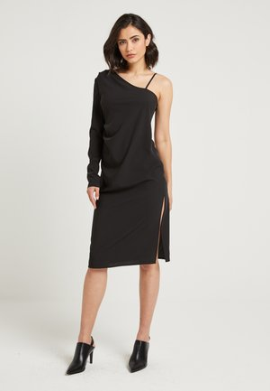 ONE SLEEVE SHINY DRESS - Vestido de tubo - black