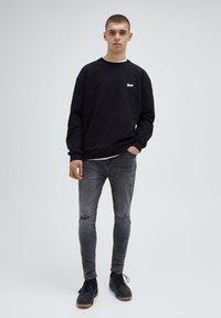 PULL&BEAR - Slim fit jeans - grey - 1