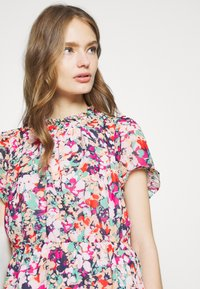 J.CREW - CRINKLE CYRANO FLORAL - Blouse - cranberry pink - 4