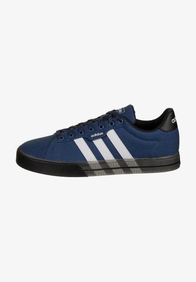 Sneakers laag - tech indigo / footwear white / core black