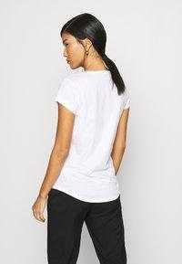 Sisley - Print T-shirt - white - 2