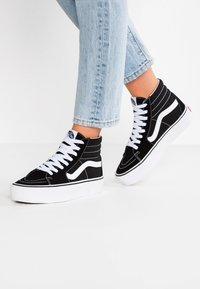 Vans - SK8 PLATFORM 2.0 - Sneakersy wysokie - black/true white - 0