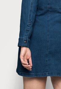 Noisy May Curve - NMLISA ZIP DRESS - Denim dress - medium blue denim - 4
