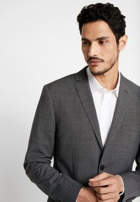 Isaac Dewhirst - PUPPYTOOTH SUIT - Oblek - dark grey - 7