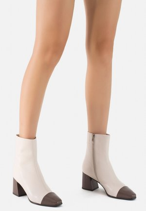 Ankle boots - crema-taupe