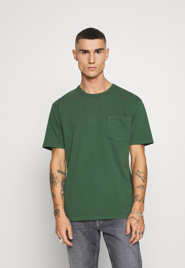HARIS - T-shirt basic - greener pastures