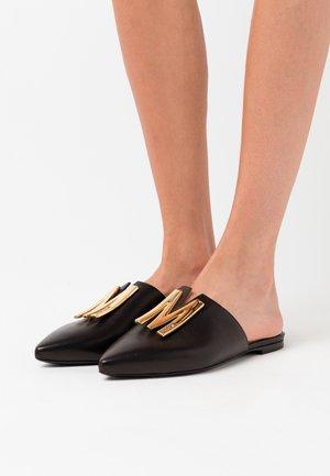 Pantolette flach - nero