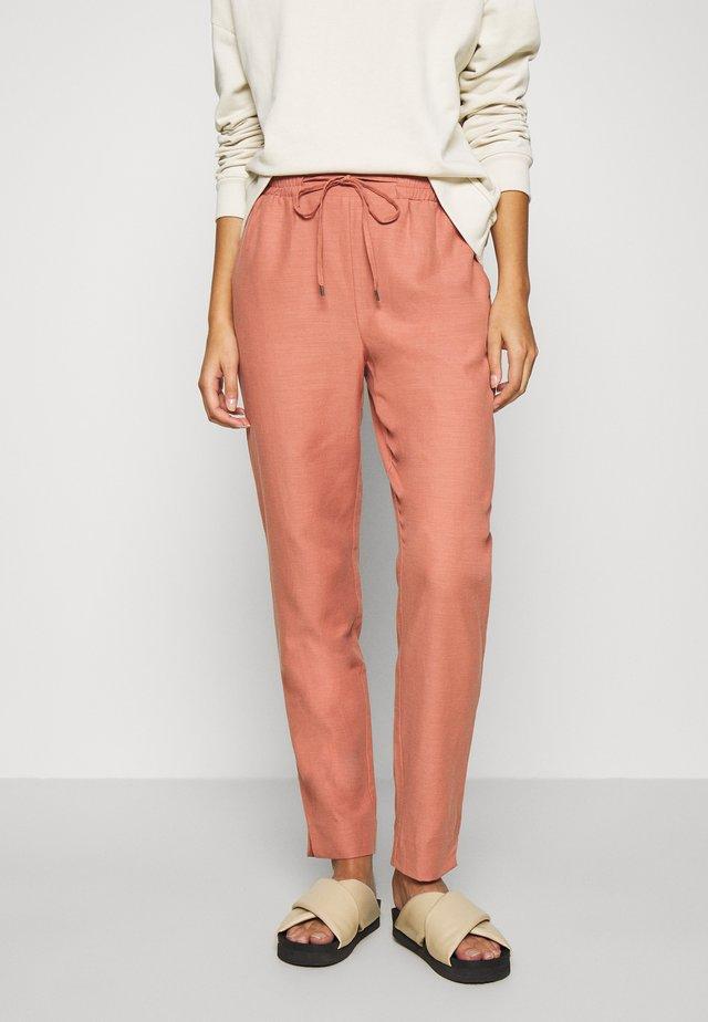 YOLANDA PANTS - Pantalon classique - desert sand