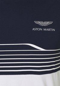 Hackett Aston Martin Racing - STRIPE TEE - T-shirt imprimé - navy/white - 2