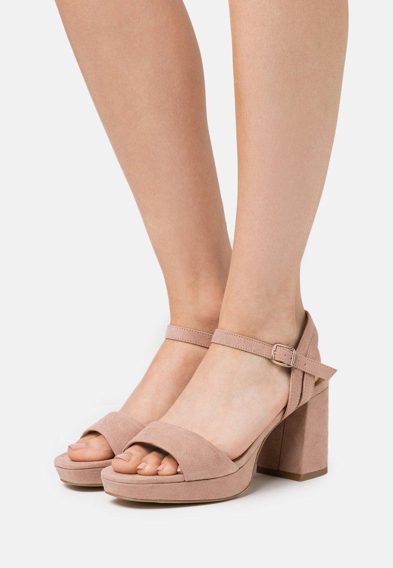New Look Wide Fit - WIDE FIT PLATFORM TRADE - Sandaler med høye hæler - oatmeal