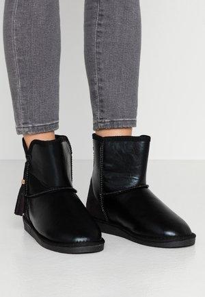 PSDIA WINTER BOOT - Støvletter - black