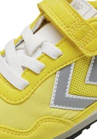 Hummel - REFLEX JR UNISEX - Trainers - yellow - 6