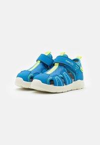 Superfit - WAVE - Dětské boty - blau/gelb - 1