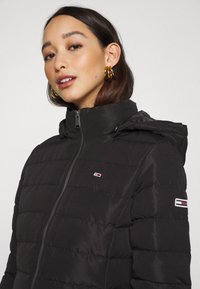 Tommy Jeans - QUILTED COAT - Dunkåpe / -frakk - black