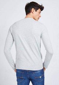 Guess - Long sleeved top - grijs - 2