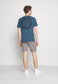 Pier One - T-shirt med print - blue - 2