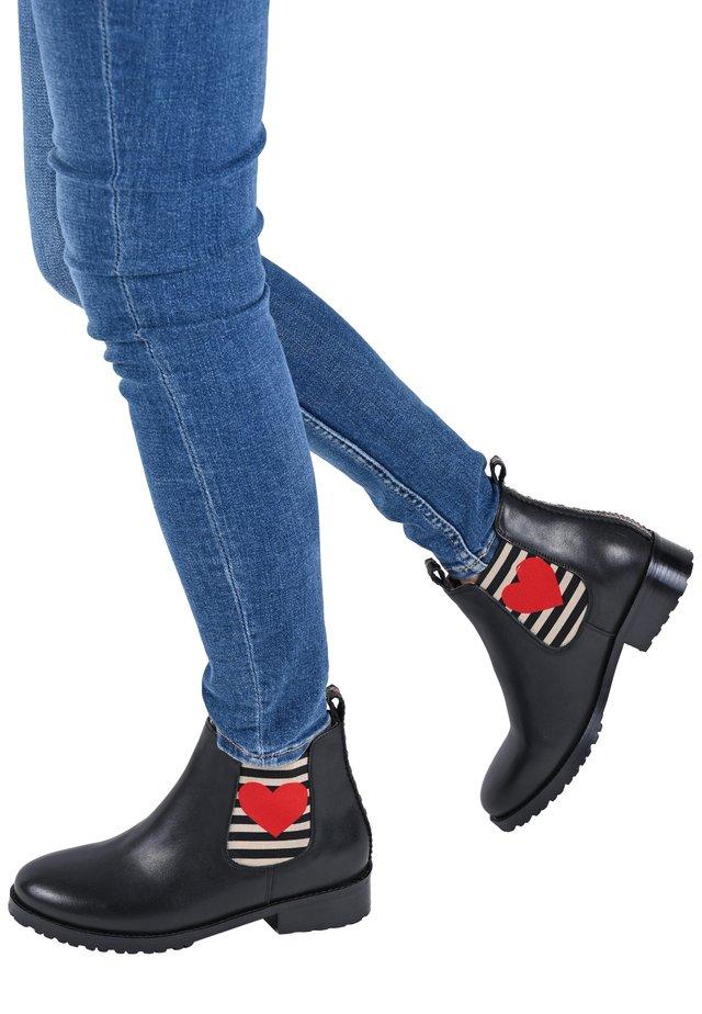JULIANE - Korte laarzen - schwarz