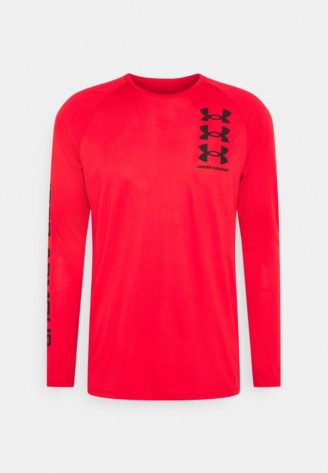 TECH TRIPLE LOGO - T-shirt de sport - versa red