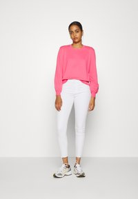 Tommy Jeans - FINE CREW NECK SWEATER - Jumper - glamour pink - 1