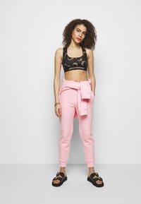 Paco Rabanne - Spodnie treningowe - pink - 1