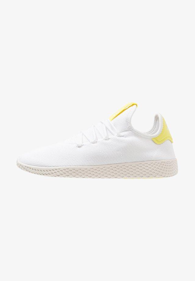 PW TENNIS HU - Matalavartiset tennarit - footwear white/core white
