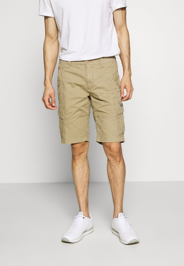 CORE CARGO SHORTS - Shorts - dress beige
