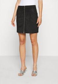 Vero Moda - VMDONNAZIPPER - Mini skirt - black - 0