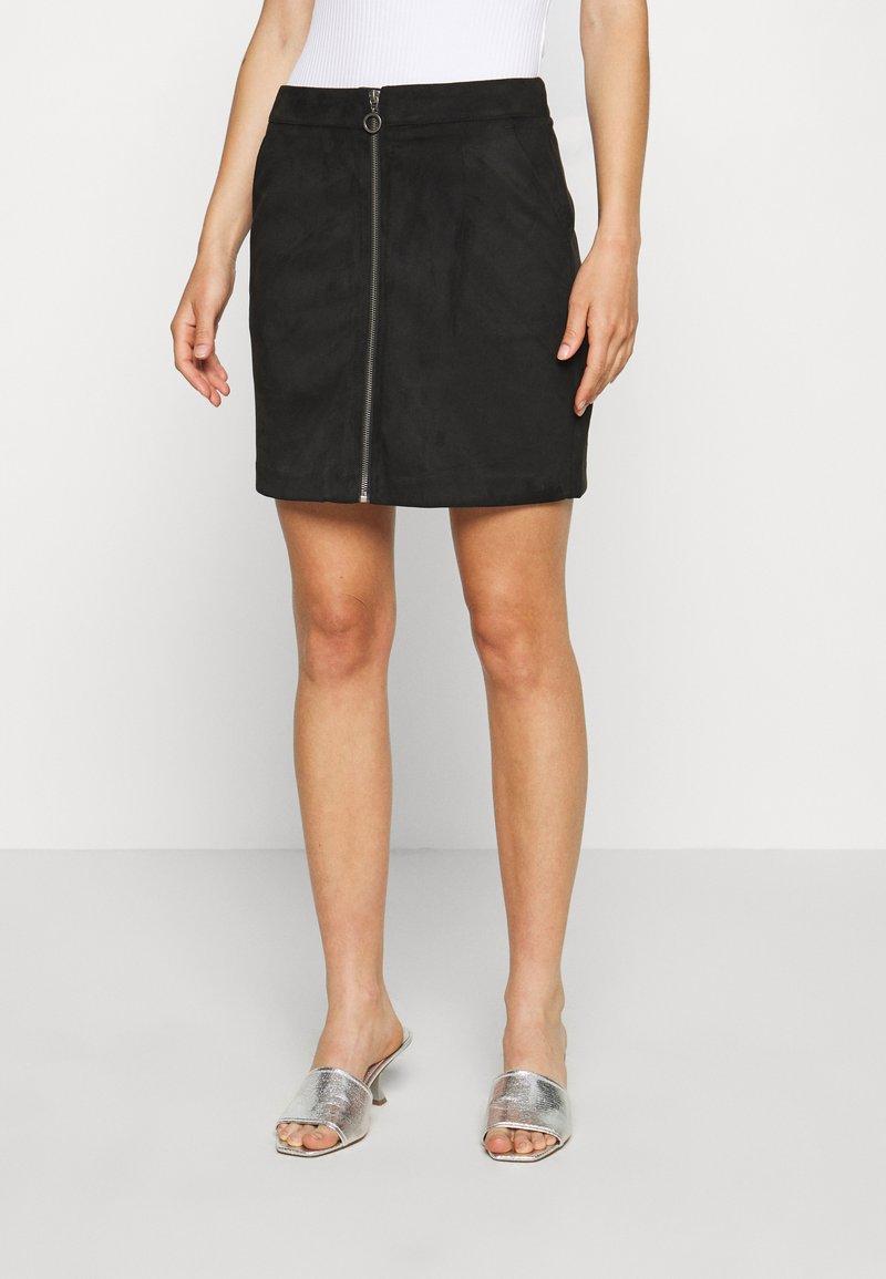 Vero Moda - VMDONNAZIPPER - Mini skirt - black