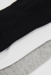 Urban Classics - NO SHOW SOCKS 5 PACK - Trainer socks - black/white/grey - 2