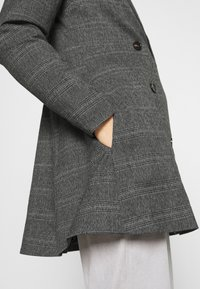 JUST FEMALE - MYRNA - Short coat - grey - 6