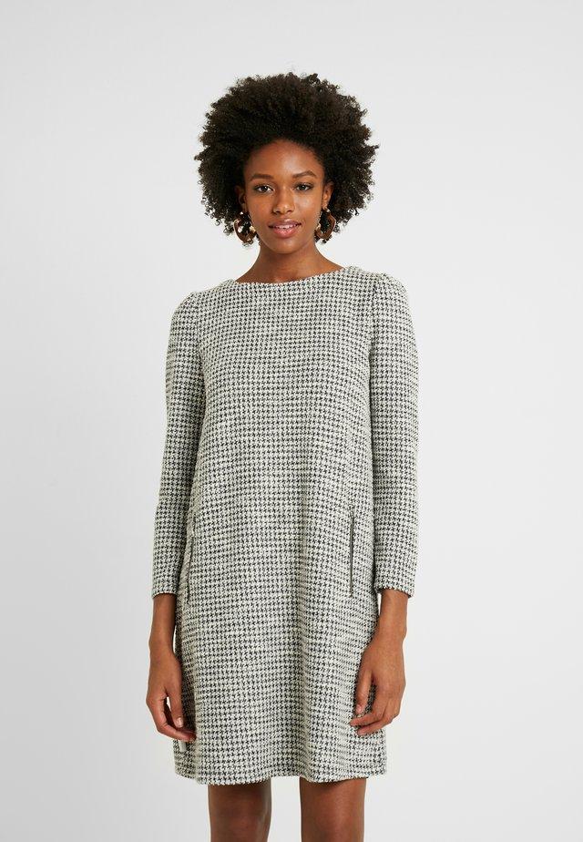 ALINE - Robe pull - black/white