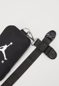 Jordan - AIR LANYARD POUCH - Monedero - black - 2