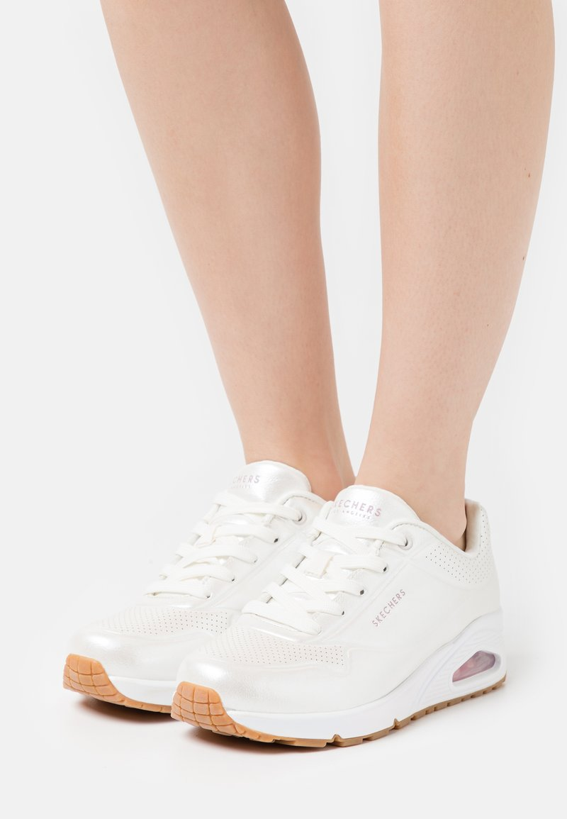 Skechers Sport - UNO - Tenisky - white/light pink