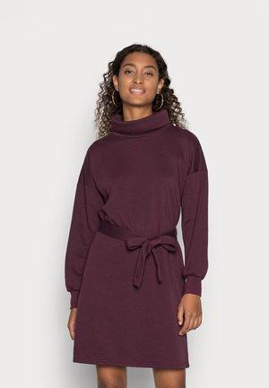 ONLSWEET HIGHNECK DRESS - Vestito estivo - winetasting