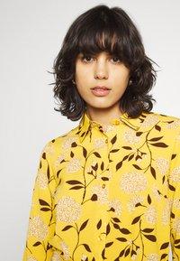 ONLY - ONLNOVA LUX  SHIRT DRESS - Skjortekjole - golden yellow/white - 3