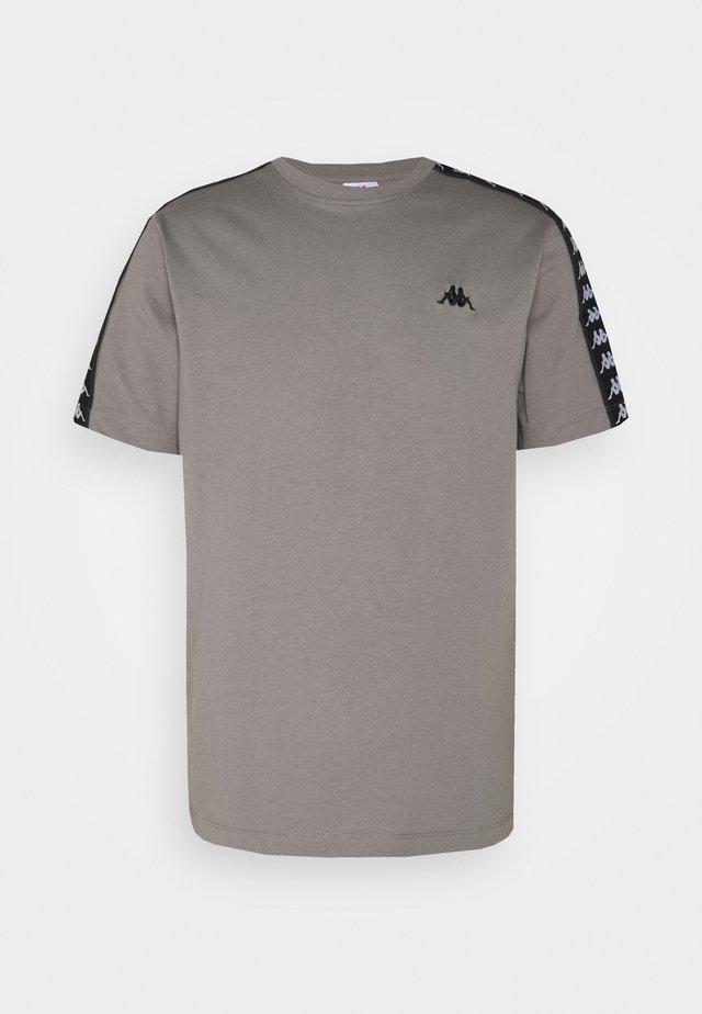 JANNO - T-shirt print - december sky