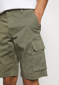 Matinique - CARGO - Shorts - light army - 3