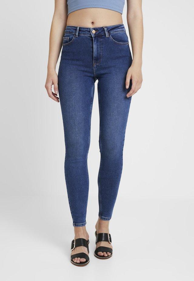PCKAMELIA ANKLE - Jeans Skinny Fit - medium blue denim