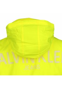 Calvin Klein Jeans - BACK LOGO - Windbreaker - yellow - 2