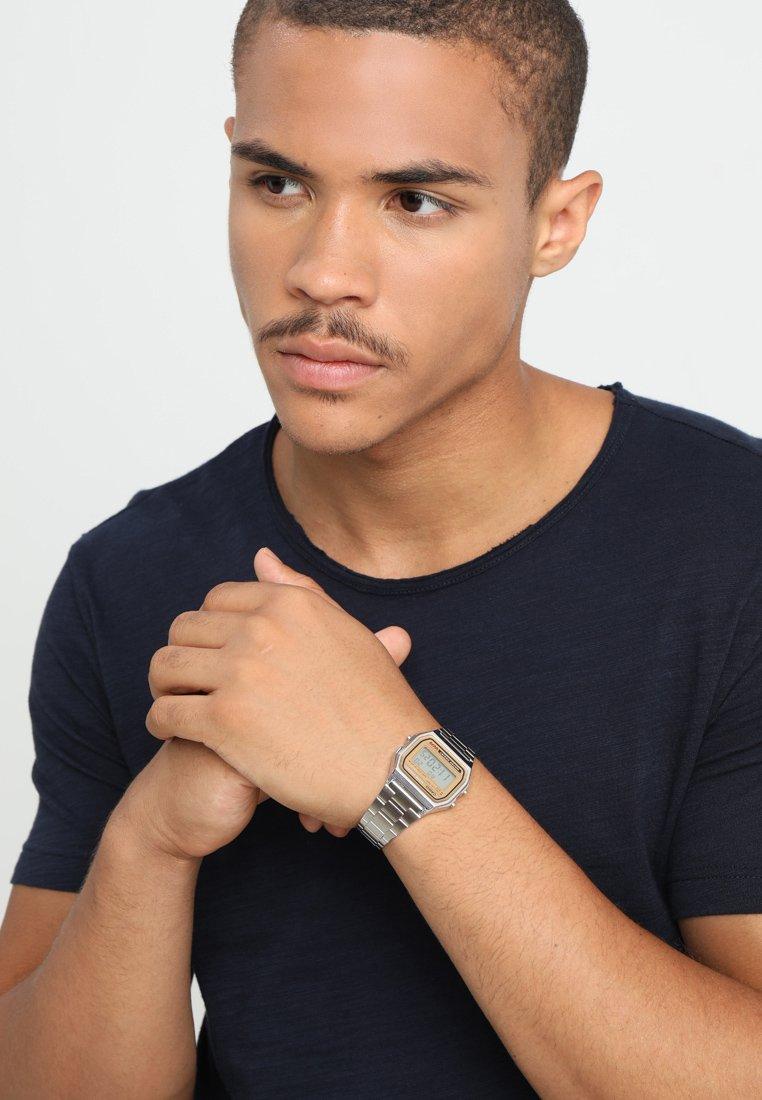 Casio - Digitální hodinky - silber