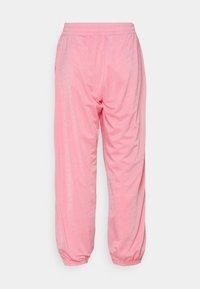Champion Rochester - CUFF PANTS - Pantalones deportivos - pink - 1