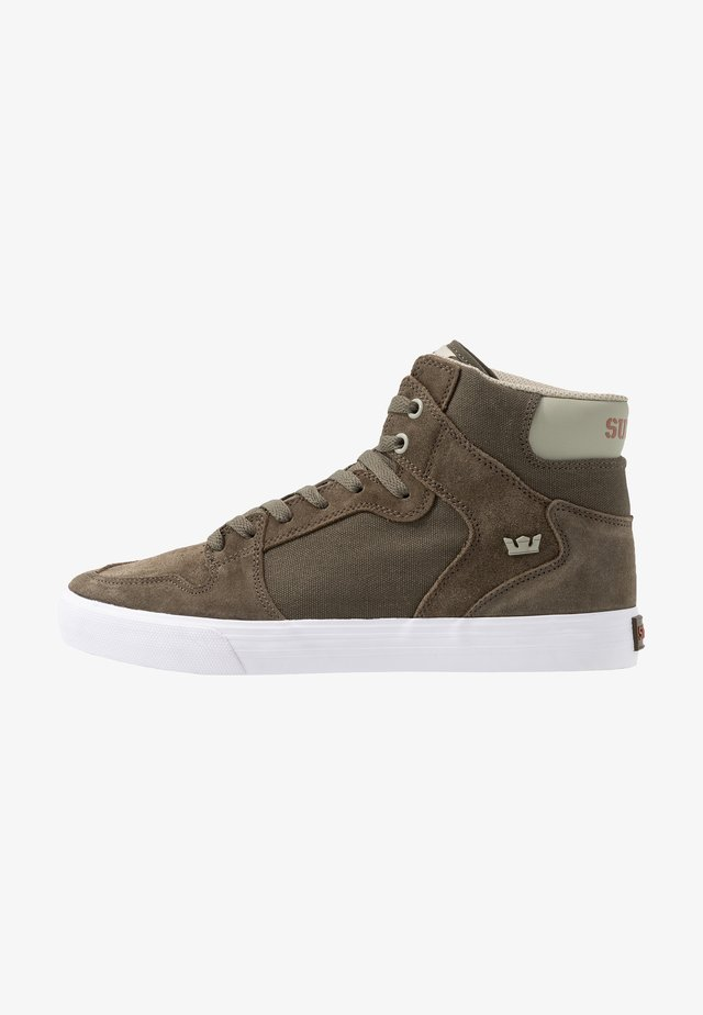 VAIDER - High-top trainers - olive/stone/white