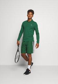 Lacoste Sport - SHORTS - Träningsshorts - green - 1