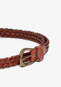 ONLY Carmakoma - Braided belt - cognac - 2