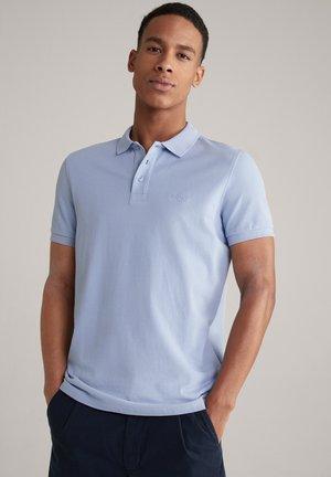 POLOSHIRT BEEKE - Polo shirt - hellblau