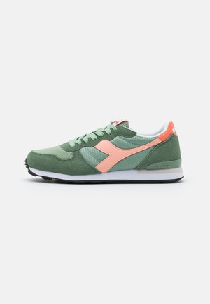 Sneakers laag - green basil/peach pearl