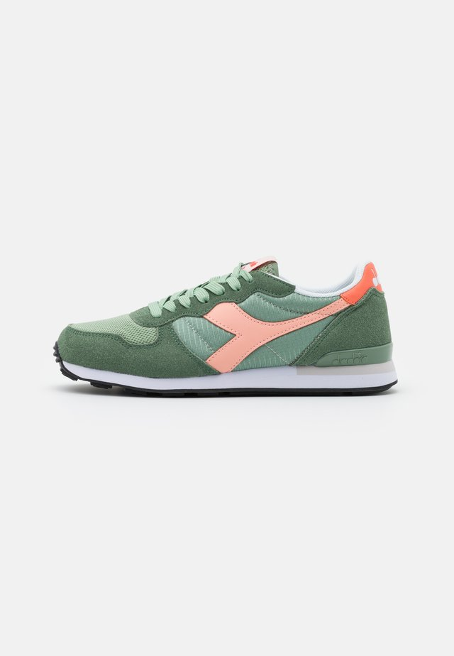 Sneakers basse - green basil/peach pearl