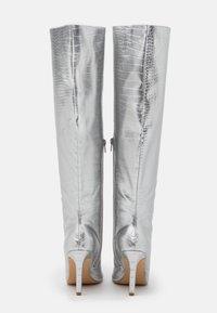 Missguided - MID KNEE BOOTS - Laarzen - silver - 3