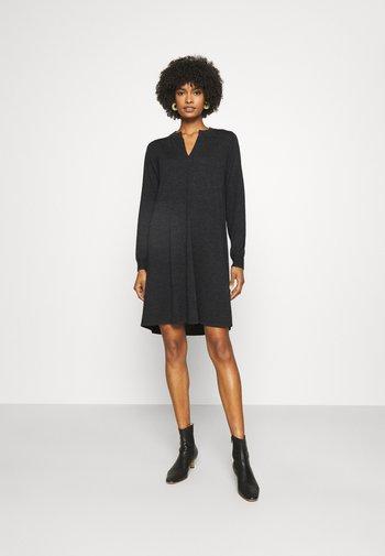 DRESS - Stickad klänning - dark grey